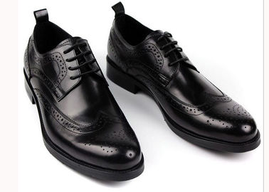 China Logo Printed Mens Leather Brogue Shoes Slip On Black Lace Up Casual Shoes supplier