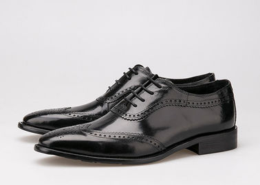 China Black Men Business Casual Shoes , Carved Oxfords Leather Lace Up Brogue Shoes supplier
